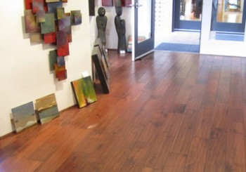 Laminate Flooring Styles Blend Trends with Tradition